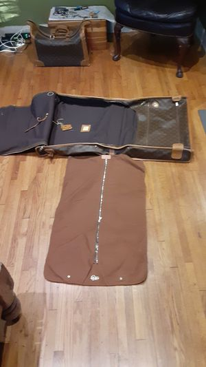 Louis Vuitton garment hanging bag for Sale in Los Angeles, CA