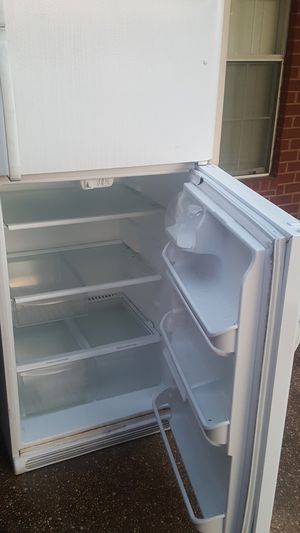 **Free junk refrigerator*** for Sale in Mineral Wells, MS