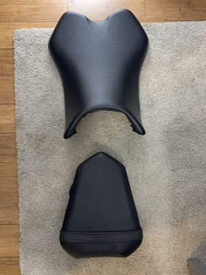Yamaha R1 seat an seat cowl for Sale in Cranston, RI