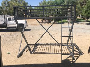 Full Bunk bed with desk for Sale in Fontana, CA