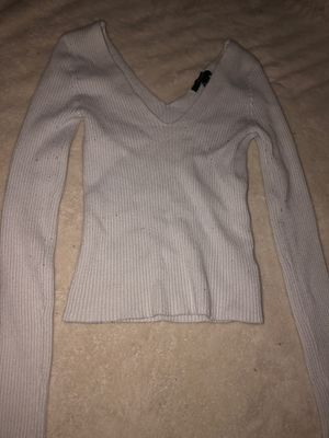 Forever 21 long sleeve white V-crop shirt for Sale in Fresno, CA