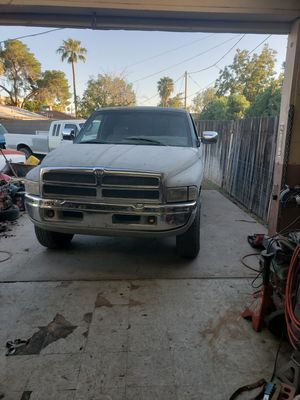 Dodge ram 1500 for Sale in Phoenix, AZ