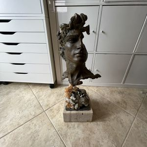 Apollo Sculpture for Sale in Hialeah, FL