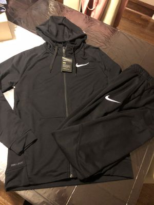 Men's Nike set hoodie and joggers lightweight fleece full zip hoodie for Sale in Chicago, IL