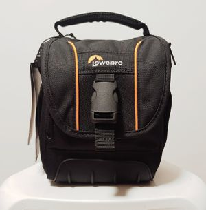 LOWERPRO ADVENTURA SH 120II-A Protective and Compact DSLR Camera Shoulder Bag Brand New. for Sale in Fountain Valley, CA