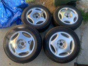 Lexus Ls400 wheels w/almost new tires for Sale in Union City, CA