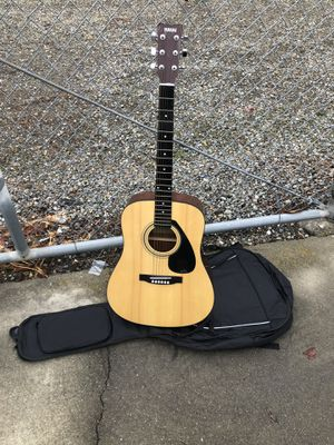 Yamaha acoustic guitar full size for Sale in Livermore, CA