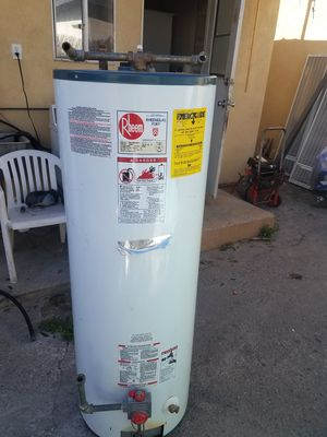 Rheem. 50 GALLONS for Sale in Los Angeles, CA