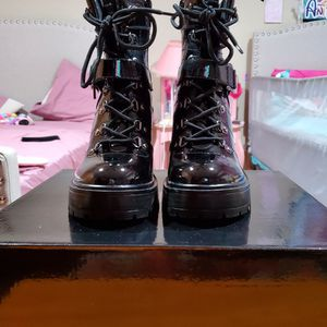 G by Guess Black Sellur Boots womens Size 7.5 for Sale in East Hartford, CT