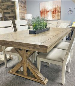 Grindleburg Light Brown Rectangular Dining Room Set (Dining table and Chairs for Sale in Round Rock,  TX
