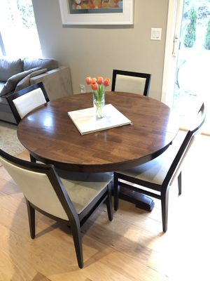 Round Dining Table for Sale in Bothell, WA