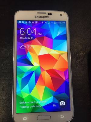 Samsung Galaxy s5 unlocked $100.00 for Sale in Los Angeles, CA