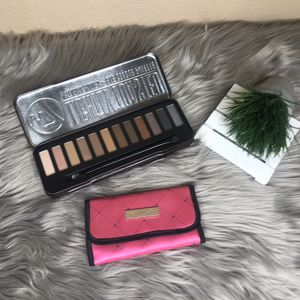 Victoria?s Secret small makeup brush + new eyeshadow pallet for Sale in undefined