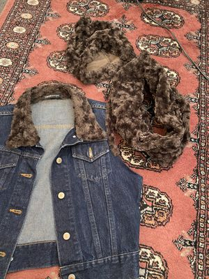 Jean vest w/ faux fur trim, hat and scarf for Sale in Stanford, CA