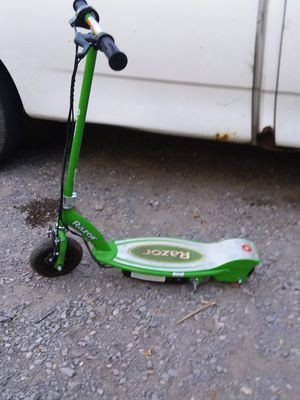 Razor scooter electric with charger $50 for Sale in Knoxville, TN