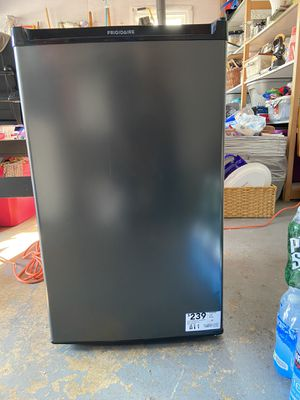 Brand new Frigidaire mini fridge for Sale in Harrisburg, PA