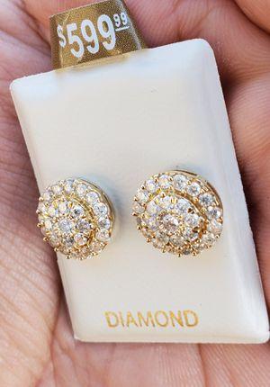 Pagoda Diamond earings 10k Gold for Sale in Fontana, CA