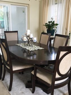 Dining table for Sale in Sylmar,  CA