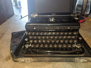Royal 1930's portable suitcase typewriter for Sale in San Jose, CA