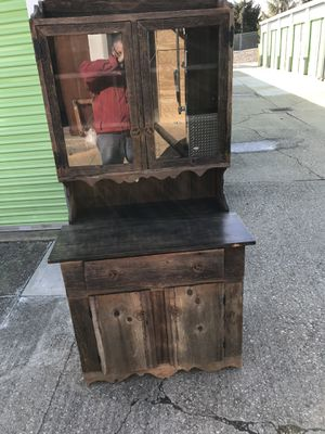 Barn Wood Hutch. Pick up in Florence KY for Sale in Florence, KY