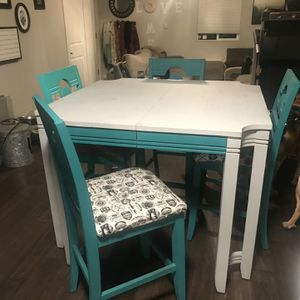 High Top Dining Room Table for Sale in Tacoma, WA