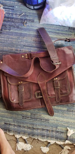 Leather messenger bag for Sale in Santa Fe Springs, CA