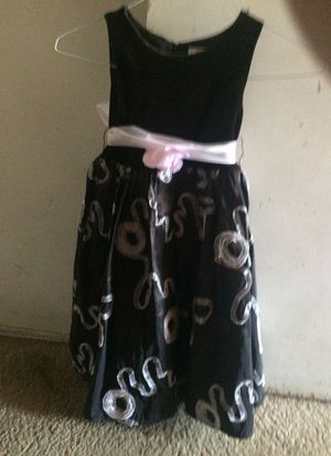 Black Dress with bow size 6 for Sale in Riverside, CA