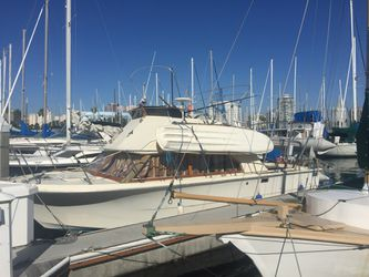 28.6' carver boat excellent for live a board for Sale in Los Angeles,  CA