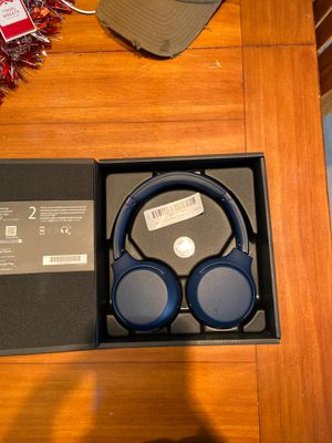 Sony - WH - XB700 wireless On-Ear Headphones - Blue for Sale in Chandler, AZ