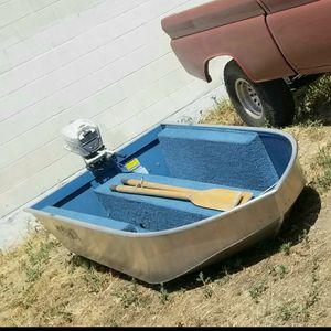 9 ft aluminum boat for Sale in La Habra Heights, CA