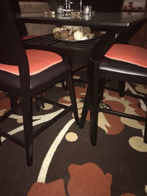 Glass top dining room table w/ 4 chairs for Sale in Cleveland, OH