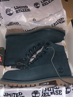 Timberlands dark green 6.5 size perfect condition never worn $50 for Sale in Lathrop, CA