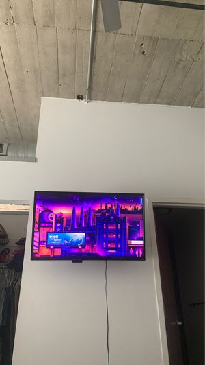 55 inch hisense Roku tv for Sale in St. Louis, MO
