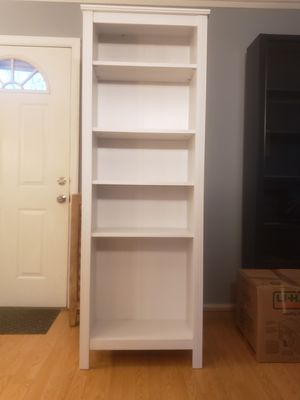 Wonderful White Shelf for Sale in Laurel, MD