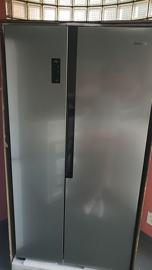 Stainless steel hisense side by side fridge for Sale in Affton, MO