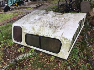 """Camper shell for 6"""" bed. for Sale in Winona, MS"""