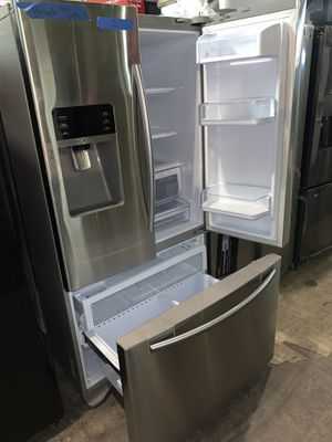 SAMSUNG 36in. Stainless steel French doors refrigerator in excellent conditions with 4 months warranty for Sale in Baltimore, MD