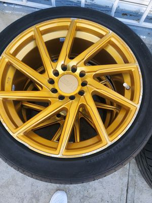 Gold rims . With ties . 200 obo Honda Nissan and more . for Sale in Bronx, NY