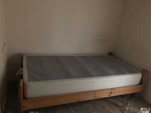 Twin size bed frame/boxstring for Sale in Blythewood, SC