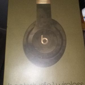 Beats Wireless Studio 3 Headphones for Sale in Anaheim, CA