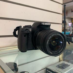 Canon Eos rebel T2i for Sale in Phoenix, AZ