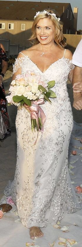 Wedding Dress - Melissa Sweet Embroidered and Beaded Lace Sheath Wedding Dress for Sale in Banning, CA
