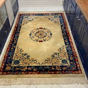 Beautiful Old Rug 81/2 X51/2 for Sale in Philadelphia, PA