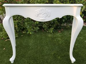 Beautiful white entry, sofa or accent table refurbished for Sale in San Diego, CA