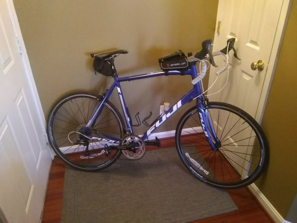 Fuji Sportif road bike