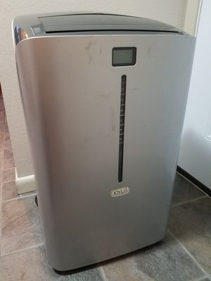 Portable AC Unit (w/ Remote) for Sale in Englewood, CO