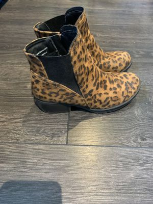 Girls stevies cheetah boots for Sale in Anaheim, CA