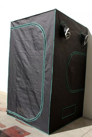 """48"""" x 48"""" x 84"""" hydroponic grow tent new in box for Sale in ROWLAND HGHTS, CA"""