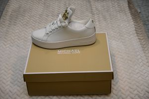 MICHAEL KORS Mindy Butterfly Leather Shoes for Sale in Silver Spring, MD