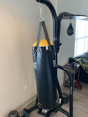 Everlast punching bag and speed bag with stand for Sale in Houston, TX